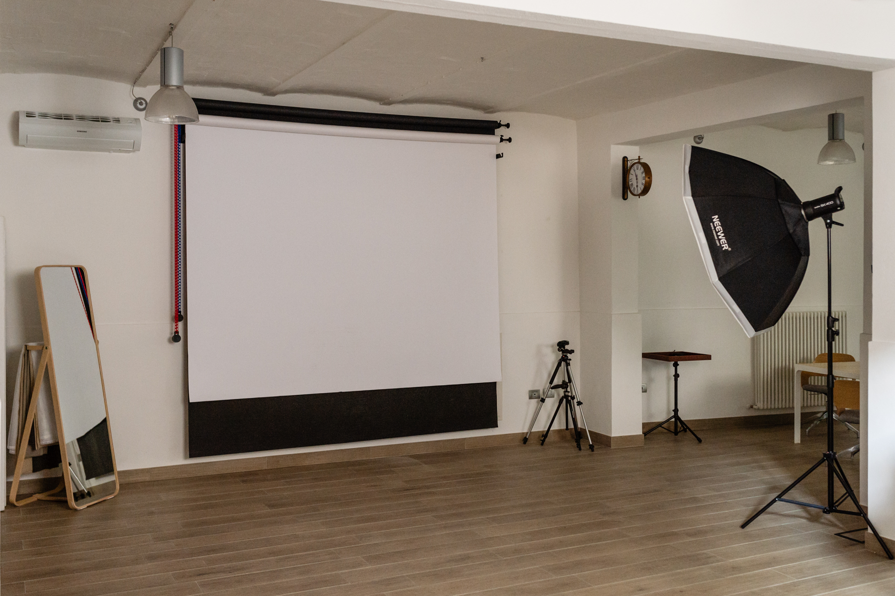 The image of a photographic studio in Ferrara, Italy