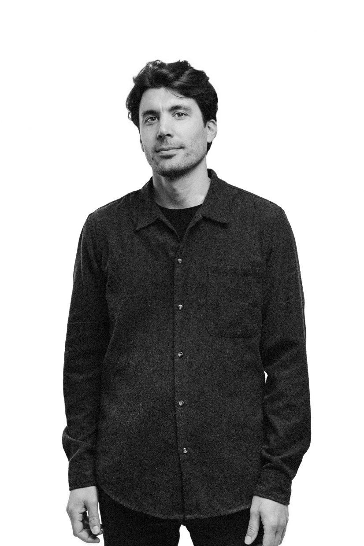 Ritratto in bianco e nero di un uomo - Ritratto contemporaneo - Borgo Leoni Fotografia - Fotografo Ferrara, Bologna ed Italia